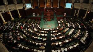 """البرلمان التونسي يصادق على مشروع قانون ينزع العقارات من الأفراد لـ""""المصلحة العامة"""""""