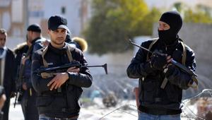 """مقتل رجل أمن """"وإرهابيين اثنين"""" في هجوم مسلحين جنوب تونس"""