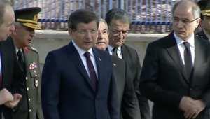 بالفيديو.. رئيس الوزراء التركي يعاين موقع الانفجار