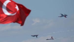 الدفعة الخامسة من القوات التركية تصل الدوحة وتبدأ تدريباتها