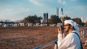 شاهد.. مصور إماراتي يوثق التراث الشعبي في ظل التغيير نحو المستقبل