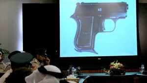 """الإمارات.. ضبط """"فلبينية شبح"""" حاولت السطو على شركة صرافة بـ""""سلاح ناري بلاستيكي"""""""