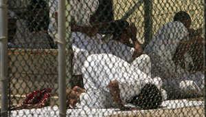 نائب أمريكي ينتقد ترحيل معتقلين من غوانتانامو للأوروغواي: المراقبة الأمنية ضعيفة وبعضهم يعود للقتال