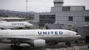 عائلة أمريكية مسلمة تطالب بالاعتذار بعد طردها من الطائرة
