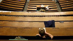 الجنس مقابل النقط في كلية مغربية.. اعتقال الأستاذ والاستماع إلى ثلاث طالبات