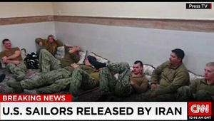 البحرية الأمريكية تقيل قائد البحارة الـ10 الذين احتجزوا بإيران مطلع 2016