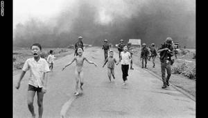 بعد انتقادات واسعة.. فيسبوك يتراجع عن حذف صورة الطفلة العارية في حرب فيتنام