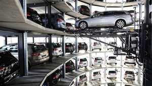 فولكسافجن تقترب من إنشاء مصنع في الجزائر يتيح تركيب 100 ألف سيارة سنويًا