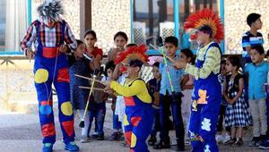 حركات بهلوانية تعطي الأمل لهؤلاء الأطفال