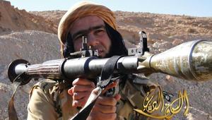 """بالصور: أبووهيب """"رامبو"""" داعش و""""دنجوانه"""".. هل خسر التنظيم فعلا وجهه الترويجي؟"""