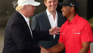 ترامب يبتعد عن ضغوط السياسة بلعب الغولف مع وودز