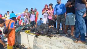 مقتل ما لا يقل عن 23 شخصاً إثر احتراق عبّارة بإندونيسيا