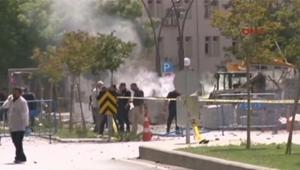 """بالفيديو: مقتل شرطي في انفجار أمام مقر شرطة """"غازي عنتاب"""" بتركيا"""