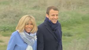 قصة حب لفتت أنظار العالم.. رئيس فرنسا القادم وزواجه من معلمته