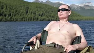 إجازة رئاسية.. بوتين يصطاد السمك وترامب يلعب الغولف