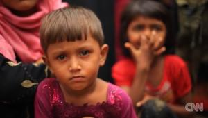 مسلمو الروهينغا يهربون من العنف في ميانمار
