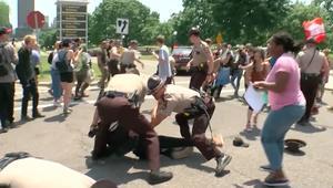 اشتباكات في مسيرات ضد الشريعة الإسلامية في مدن أمريكية