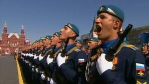 بالفيديو: هل يستخدم بوتين فخر إنجازات الاتحاد السوفييتي ليهدد أمريكا بقواته الجديدة؟