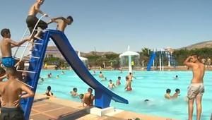 الحرارة العالية تغزو المغرب والمواطنون يلجؤون للمسابح