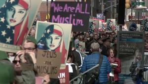 متظاهرون ضد ترامب في نيويورك: أنا مسلم أيضا