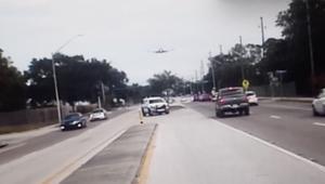 شاهد.. تحطم طائرة صغيرة على طريق في فلوريدا
