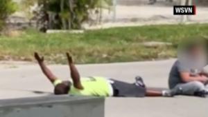 الشرطة الأمريكية تطلق النار على رجل أسود خلال محاولته مساعدة مريض بالتوحد