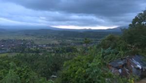 هلع في بالي بعد تحذيرات الحكومة من ثوران بركان