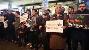 مسلمون يتجمعون في سوق الكريسماس في برلين: نحن أيضا ضحايا داعش