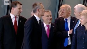 هل دفع ترامب رئيس وزراء جانبا ليكون بالمقدمة؟