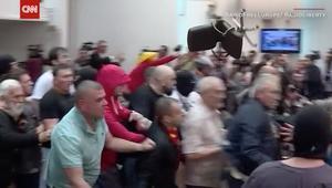 متظاهرون يقتحمون برلمان مقدونيا بسبب انتخاب شافيري
