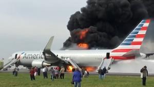 حريق في طائرة ركاب وقت إقلاعها من مطار شيكاغو