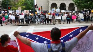مفاجأة: قراصنة روس حرضوا لمظاهرات طالت مسلمين بأمريكا
