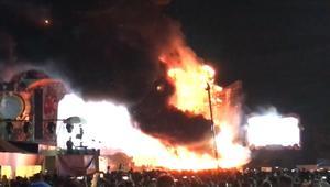 إجلاء 22 ألف شخص بسبب حريق مهرجان