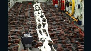 بعد ضبط آلاف الأسلحة في أستراليا.. فرنسا تصادر شحنة أسلحة أخرى يُرجح الخبراء إرسالها من إيران إلى اليمن