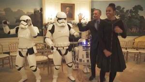 """بالفيديو: أوباما وميشيل يرقصان في اليوم العالمي لـ """"حرب النجوم"""""""