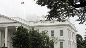 شخص بحقيبة ظهر يتسلّل إلى داخل البيت الأبيض ويصل إلى الإقامة الرئاسية