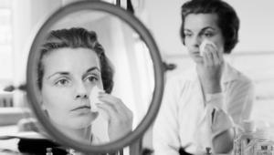 دراسة تكشف: القلق يستحوذ أكثر على النساء والشباب.. وأمريكا الشمالية تتصدر التوتر