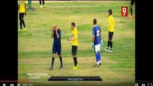 بالفيديو.. حكم تونسي يبكي خلال مباراة كرة قدم بسبب شتم الجمهور لوالدته