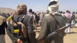 حوثيون في منطقة عمران يتجمعون في 10 أبريل/ نيسان 2014، احتجاجا على قتل 5 في اشتباك بين أفراد من القبيلة والجيش اليمني