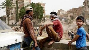التحالف العربي يسلم 52 طفلا مجندا للحكومة اليمنية