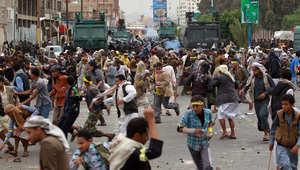 """اليمن: 7 قتلى بمواجهات بين الأمن و""""حوثيين"""" حاولوا اقتحام مقر رئاسة الحكومة"""