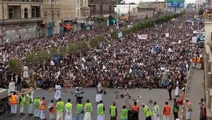 """اليمن.. الأمن يحاصر مخيماً لـ""""أنصار الله"""" والحوثي يدعو أتباعه لتصعيد بـ""""الأصفر"""""""