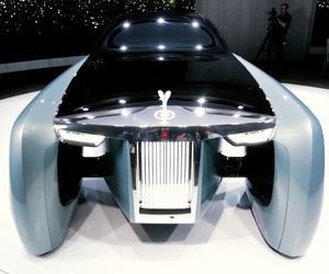 هكذا ستبدو سيارة المستقبل من رولز رويس في العام 2114