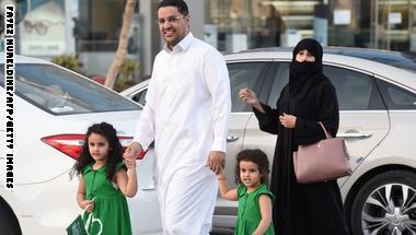 فيديوغرافيك: زيادة السكان وتوسّع العائلات.. كيف تبدلت السعودية بعقود؟