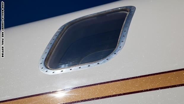 نتيجة بحث الصور عن طائرة صنعت من الألماس في دبي