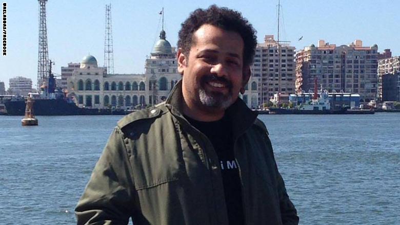 شقيقته لـCNN: الأمن المصري اعتقل الناشط وائل عباس ولا نعلم أين هو