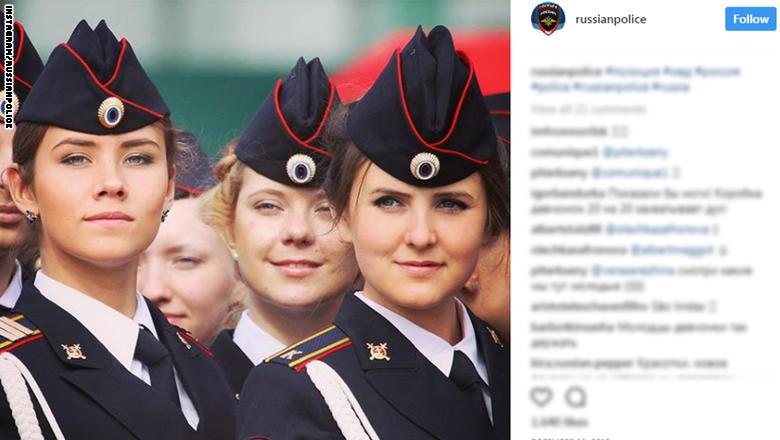 """بالصور.. """"حسناوات"""" بالشرطة الروسية مع اقتراب مونديال 2018"""