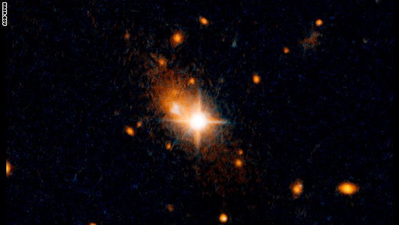عناوين الأخبار       ناسا: ثقب أسود سرعته 4.7 مليون ميل بالساعة      طلب بيانات مالية قد  Hubble_rogue_black_hole_thumbnail2