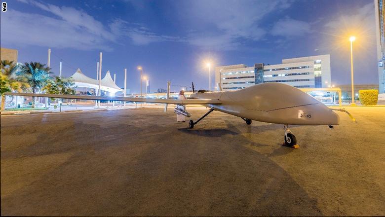 """السعودية تكشف عن طائرة """"صقر1"""" المتطورة دون طيار  Saqr-5"""