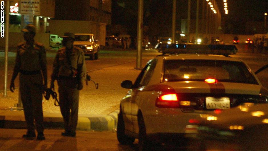 """السعودية: شرطة الرياض تتعامل مع طائرة لاسلكية """"ترفيهية"""" حلقت فوق حي الخزامي"""